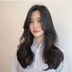 Korean Haircut Long, Korean Hairstyle Long, Korean Long Hair, Asian Haircut, Korean Hairstyles, Kpop Hairstyle, Japanese Hairstyles, Permed Hairstyles, Pretty Hairstyles