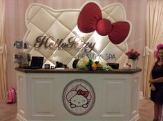 World's First Hello Kitty Beauty Spa | Incredible Things