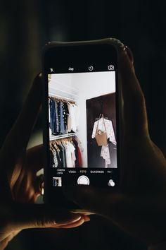 Julia Alcantara Quarto Tudo Orna Jules Galaxy Phone, Samsung Galaxy, Mp3 Player, Julia, Instagram, Closets, York, Bedrooms, Future House