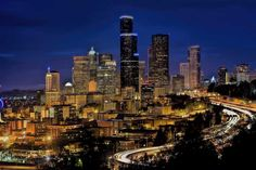 Poster & Download: Skyline Innenstadt Seattle Stadtbild städtisch Blau Hour Kategorien: landschaften, skyline, downtown, seattle, cityscape, urban, blue, hour