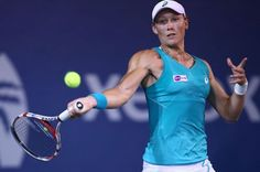 Sam Stosur has breezed into the quarterfinals of the WTA Southern California Open with a decisive 6-4 6-1 victory over Sesil Karatantcheva.