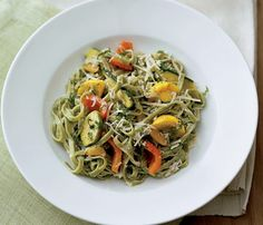 Light Alfresco Pasta Under 450 calories: Try this Spinach Fettuccine with Yogurt-Cream Sauce at your #4thOfJuly BBQ!