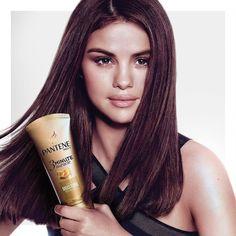 @pantene: @SelenaGomez holding her secret to strong silky smooth hair. Pick up the latest issue of @Cosmopolitan to find us in there! #3MinuteMiracle #StrongIsBeautiful @pantene: @SelenaGomez sosteniendo su secreto de un cabello fuerte sedoso y suave. Consigue la última edición de @Cosmopolitan para encontrarnos allí! #3MinuteMiracle #StrongIsBeautiful #SelenaGomez #Selena #Selenator #Selenators #Fans