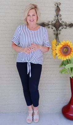 Best Clothing Styles For Women Over 50 - Fashion Trends Fashion For Women Over 40, 50 Fashion, Fall Fashion Trends, Look Fashion, Plus Size Fashion, Autumn Fashion, Fashion Outfits, Curvy Fashion, Fashion Bloggers