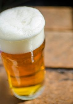 the science behind beer form (protein and water are playing with your beer's head)