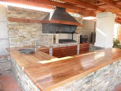 Novel and Modern Grills: Images of Different Barbecues Although historical in thought, your pergola continues Asado Grill, Bbq Grill, Barbecue, Pergola Designs, Patio Design, Exterior Design, Backyard Projects, Backyard Patio, Backyard Ideas