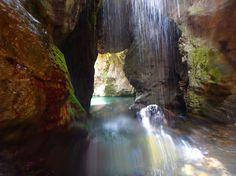 Kourtaliotiko Schlucht auf Kreta: Ein Tag voller Spaß und Nervenkitzel in der Schlucht und Schlucht. Bergsteigen, Schwimmen, Wandern und zu Fuß in einem Tag