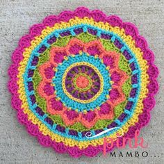 Dream Circle 12″ Crochet Square and Mandala - free pattern from Pink Mambo.