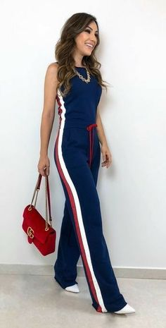 It will have a lot of goddess look SIIIMM ✨❤️ We're in love with this jumpsuit . Komplette Outfits, Summer Outfits, Casual Outfits, Fashion Outfits, White Casual, Casual Chic, Casual Wear, Love Fashion, Fashion Looks