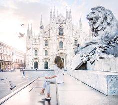 7am sunrise at Duomo in Milan Alba in Duomo Milano