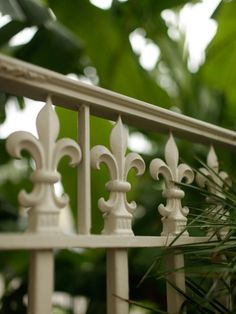 HGTV Gardens presents 13 gorgeous fences that will inspire you to rethink your…
