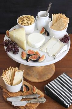 Cheese platter presentation tapas 40 ideas for 2019 - - Food Platters, Cheese Platters, Party Platters, Wine And Cheese Party, Wine Cheese, Cashew Cheese, Cheese Fruit, Snacks Für Party, Party Appetizers