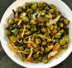 Oven roasted sliced okra is very, very good! Pour some frozen okra into a bowl,. Oven Roasted Okra, Roasted Vegetables, Veggies, Side Dish Recipes, Veggie Recipes, Cooking Recipes, Healthy Recipes, Oven Recipes, What's Cooking