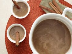 Hot Buttered Rum recipe from Rachael Ray via Food Network Rum Cocktails, Rum Cocktail Recipes, Rum Recipes, Cocoa Recipes, Hot Chocolate Recipes, Alcoholic Drinks, Recipies, Hot Buttered Rum, Giada De Laurentiis