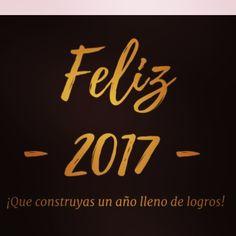 Brindo por un 2017 bien Abundante para ti tus afectos y por tu éxito.