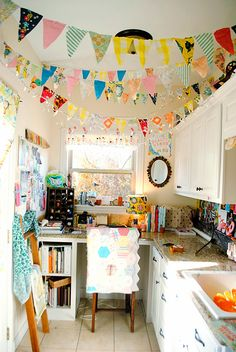 The Rosy Life: Craft Room Tour. Would liven up my basement art room Space Crafts, Craft Space, Kitchen Corner, Kitchen Craft, Space Kitchen, Room Kitchen, Craft Room Storage, Craft Rooms, Bedroom Storage