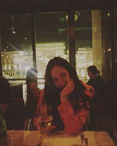 Krystal Jung, Jessica & Krystal, Jessica Jung, Korean American, Uzzlang Girl, Ice Princess, Girl Poses, American Singers, Girl Crushes