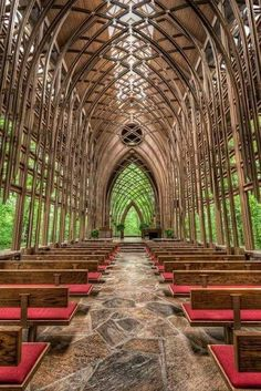 My favorite place in the world- Glass Chapel in Eureka Springs, Arkansas. So glad Fay Jones built a glass chapel in Ft. Oh The Places You'll Go, Places To Travel, Places To Visit, Travel Destinations, Places To Get Married, Amazing Destinations, Beautiful World, Beautiful Places, Amazing Places