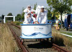 Badewanne auf Schienen: 3. Ottendorfer Draisine-Rennen 2013