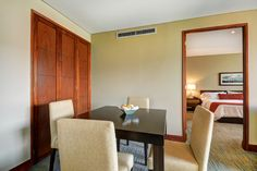 Comedor de habitación Suite