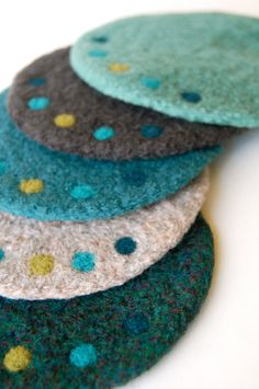 Dot Coasters Coasters in turquoises and grays with needle felted dots! Felted Wool Crafts, Yarn Crafts, Felt Crafts, Fabric Crafts, Nuno Felting, Needle Felting, Felt Coasters, Wool Art, Felting Tutorials