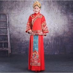 Chinese Bridal Qun Gua In Flower and Phoenix Embroidered