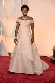 Viola Davis wearing one of my favorite gowns from the Oscars. Oscars 2015: Celebrity Fashion—Live from the Red Carpet – Vogue