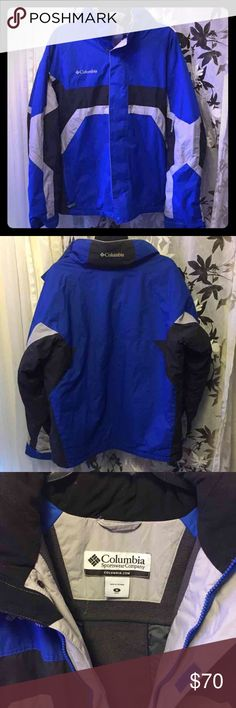 Mens Columbia Outdoor Coat Warm coat jacket with lining and roll up hood. Like new but no tags. Columbia Jackets & Coats