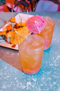 When it comes to summer heat, we say if you can't beat it, join it. Whether it's a birthday or a bachelorette, we're taking our party ques from Cuba and Mixed Drinks Alcohol, Drinks Alcohol Recipes, Alcoholic Drinks, Beverages, Drink Recipes, Pineapple Mojito, Mango Mojito, Craft Cocktails, Refreshing Drinks