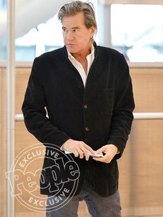 Val Kilmer Spotted Without Breathing Aid For the First Time Celebrity Outfits, Celebrity Style, Val Kilmer, Super Star, Sharp Dressed Man, Aging Gracefully, Man Candy, Cute Guys, Dapper