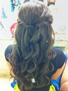 Half up-Curls down by Stephanie Brinkerhoff. She's so talented <3