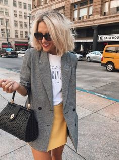 casual-style-obsession-grey-blazer-plus-bag-plus-tee-plus-skirt.jpg - casual-style-obsession-grey-blazer-plus-bag-plus-tee-plus-skirt.jpg Source by sibylleberghoff - Cute Spring Outfits, Casual Fall Outfits, Cute Outfits, Winter Party Outfits, Skirt Outfits For Winter, Party Outfit Casual, Casual Travel Outfit, Dress Outfits, Ladies Outfits