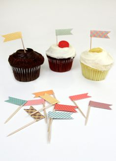 Free Cupcake Flags template     http://www.lovevsdesign.com/shop/printable_templates/kitchen/modernflags/printtemp-modernflags.pdf