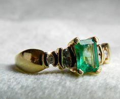 Esmeralda anillo de compromiso 14K anillo de por LoveAlwaysGalicia