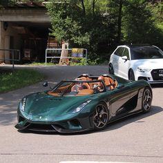 Throughout the early stages of the Jaguar XK-E, the lorry was supposedly planned to be marketed as a grand tourer. Changes were made and now, the Jaguar … Koenigsegg, Pagani Car, Pagani Huayra, Luxury Sports Cars, Maserati, Ferrari 458, Ferrari Bike, Lamborghini Gallardo, Sexy Cars