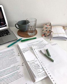 Study Board, Book Study, Study Notes, Case Study, School Organization Notes, Study Organization, Studyblr, Study Corner, School Study Tips