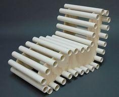 Tumbona de recortes de tubo pvc.