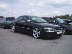 R-line _________________________ #VwPassat3bg #volkswagen #passat #3bg #B55 #PassatB5 #highline #dub #vdub #lowlife #lowandslow #sportwagon #loweredlifestyle #tuning #tuningcar #lowerclasslove #like4like #l4l #vwtuning Vw Passat, Volkswagen Phaeton, Sports Wagon, Audi A8, Cool Cars, Porsche, Engine, Jetta Gli, Sport Cars