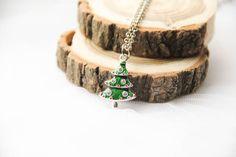 Подвеска-елочка из эмали #елка #кулон #подвеска #новыйгод #серьги #подарок