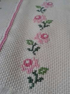 Towel with Cross-Stitch Cross Stitch Numbers, Cross Stitch Art, Simple Cross Stitch, Cross Stitch Borders, Cross Stitch Flowers, Cross Stitch Designs, Cross Stitching, Cross Stitch Embroidery, Cross Stitch Patterns