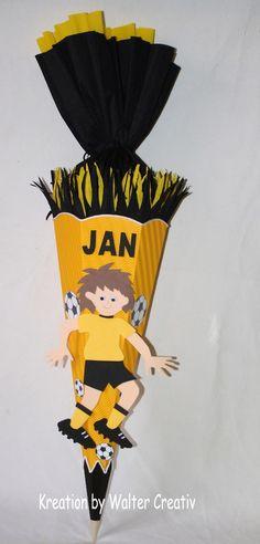 """Schultüten - Bastel-Set Schultüte """"Fussballer """" Mo... - ein Designerstück von Bastel-Shop bei DaWanda"""