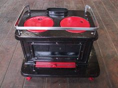 Navigator Stove Works,Inc manufactures traditional cast iron & porcelain enameled MARINE STOVES for BOATS. Featuring a stove called the