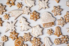 Christmas Gingerbread, Gingerbread Cookies, Christmas Tree, Gingerbread Houses, Christmas Traditions, Snowflakes, Cake Decorating, Diy And Crafts, Treats