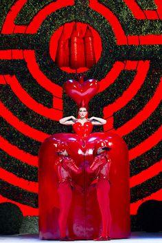Zenaida Yanowsky as the Red Queen