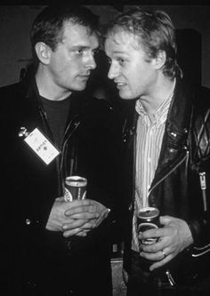 Early Rik and Ade British Comedy, English Comedy, Rik Mayall, Comedy Duos, Funny Comedy, Young Ones, Man Humor, No One Loves Me, Funny People