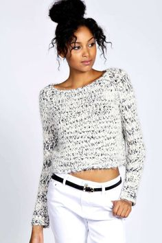 Treat your wardrobe to the freshest crochet knitwear from boohoo and feel weather-ready and on-trend no matter what the season. Oversized Jumper, Cable Knit Cardigan, Love Fashion, Boohoo, Knitwear, Sweaters, Cardigans, Crop Tops, Clothes