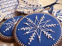 Risultati immagini per biscotti decorati con ghiaccia reale