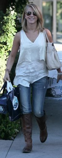Who made Julianne Hough's white ruffle tank top that she wore in Los Angeles on October 29, 2011? Shirt – Rag & Bone