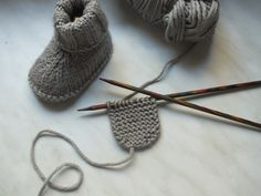 Most up-to-date Photo knitting baby socks Thoughts Babysocken stricken – Babyschuhe – Baby Knitting Patterns, Baby Patterns, Crochet Patterns, Crochet Ideas, Knitting Socks, Free Knitting, Knitted Hats, Knit Socks, Fun Socks