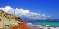 Που βρίσκεται η «κόκκινη» παραλία της Ελλάδας; Έχει περίεργο όνομα και θεωρείται μία από τις 20 πιο παράξενες παραλίες στον κόσμο!